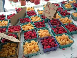 Berries at the Rogue Valley Growers Market in Medford. Photo: http://www.rogueinoregon.com/?p=366